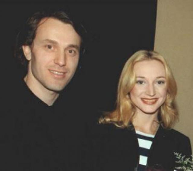 """Кристина Орбакайте. В 2000 году на презентации нового альбома """"Май"""" супруг Руслан Байсаров приревновал певицу и прямо в присутствии коллег сломал ей нос."""