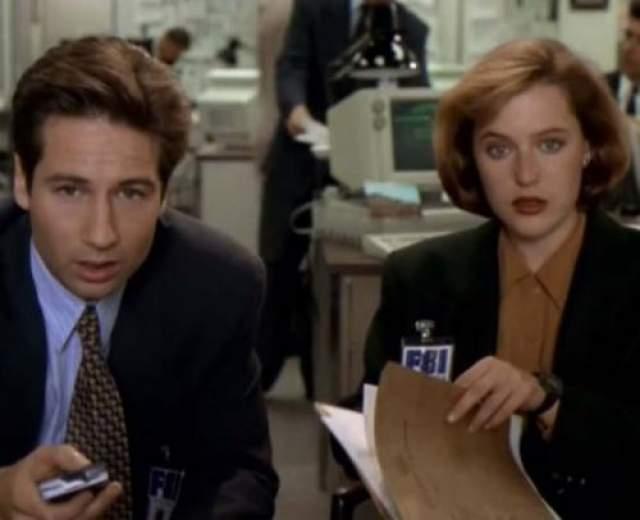 """Духовны очень задевала отстранённостью коллеги вне съемочной площадки, но объяснись такая неприязнь очень просто: в какой-то момент Андерсон выяснила, что в шоу она является не полноправным партнером, а """"номером 2"""", и это не давало ей покоя."""