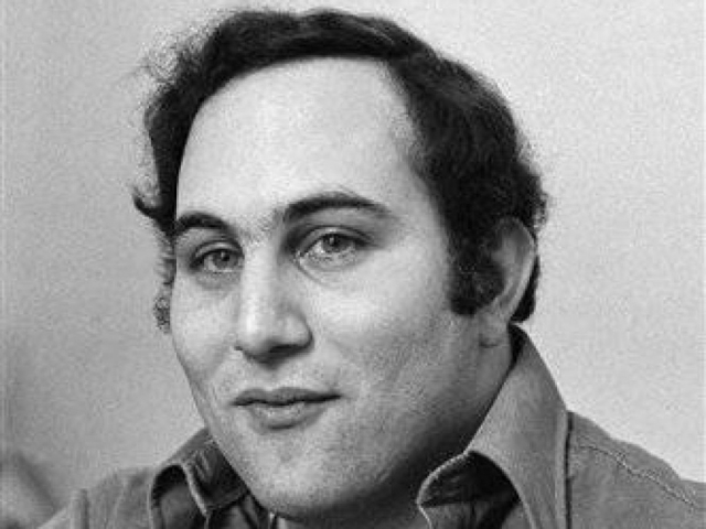 schizophrenic serial killer david richard berkowitz David richard berkowitz (born richard david falco june 1, 1953), also known as the son of sam and the 44 caliber killer, is an american serial killer convicted of a series of shooting attacks that began in the summer of 1976.