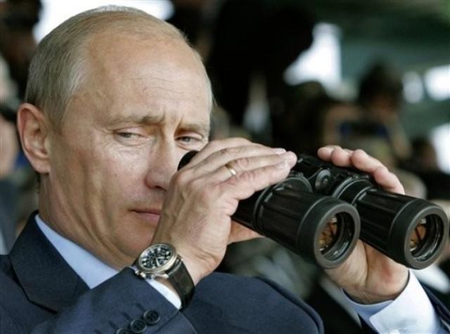 Носит часы Владимир Владимирович исключительно на правой руке. Объясняя это тем, что только тогда заводная головка не натирает кисть.