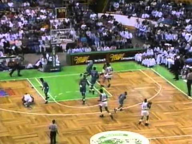 27 июля 1993 года, когда Льюис в очередной раз вышел тренироваться, как вдруг упал посреди площадки на глазах у других спортсменов. Согласно заключению врачей, причиной смерти стала остановка сердца.