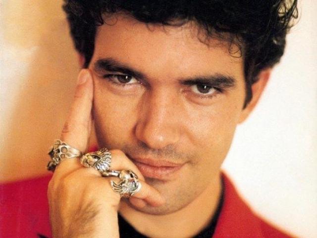 Антонио Бандерас. Актер родился в городе Малага на юге Испании, где и провел первую часть своей жизни.