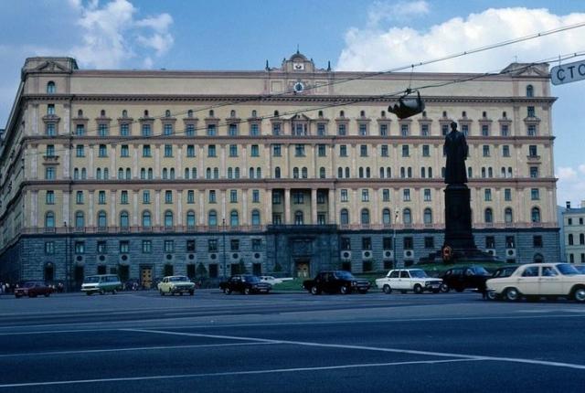 Ходили слухи, что именно сотрудники КГБ возглавляли некоторые операции против власти внутри страны.