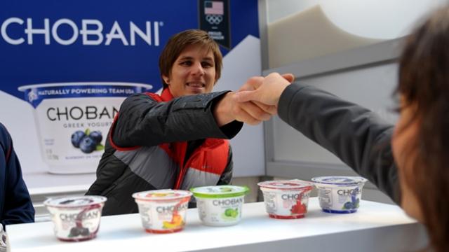 За день до открытия Олимпиады американское издание The New York Times сообщило, что Россия не разрешает ввоз йогуртов из США, которые предназначены для олимпийцев сборной.