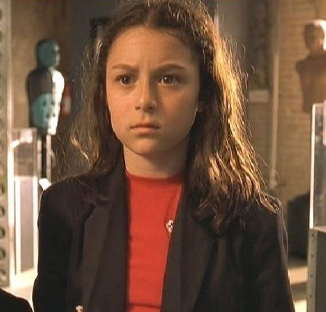 """Алекса Вега. В трех фильмах серии """"Дети шпионов"""" девочка сыграла Кармен Кортес, которая выглядела совсем как обычная девочка."""