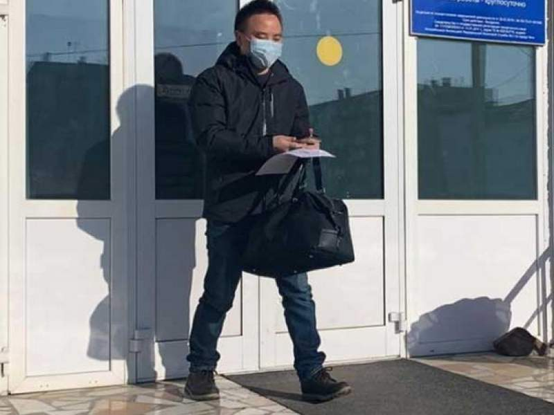 Новости дня: Видео выписки из больницы в Чите китайца с коронавирусом попало в Сеть