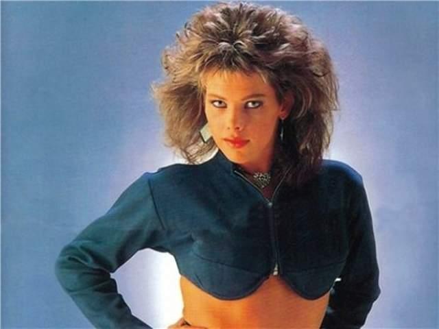 C.C.Catch, 54 года. Каролина Катарина Мюллер, урожденная нидерландка, построила карьеру под крылом продюсера Дитера Болена. В 1989 году она отказалась от его услуг и в том же году записала последний альбом Hear What I Say в качестве Си Си Кетч.