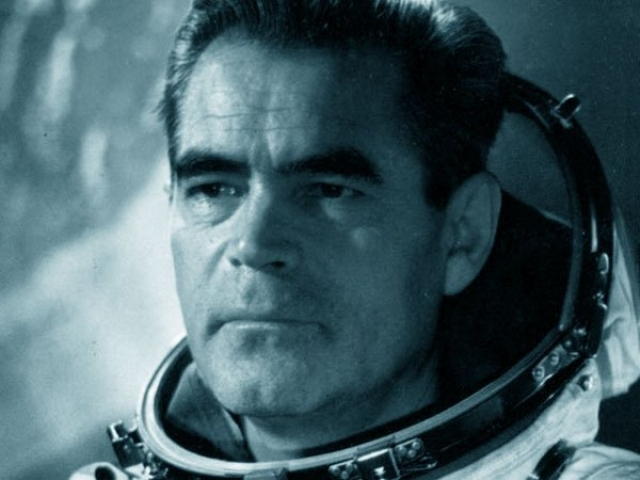 После первого полета связал свою жизнь с работой отряда космонавтов. В 1964 году Николаев назначен его командиром. В 1968-1974 годах работал заместителем начальника Центра подготовки космонавтов имени Ю. А. Гагарина.
