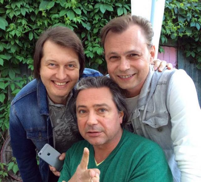 В настоящее время Асимов работает над новыми песнями.