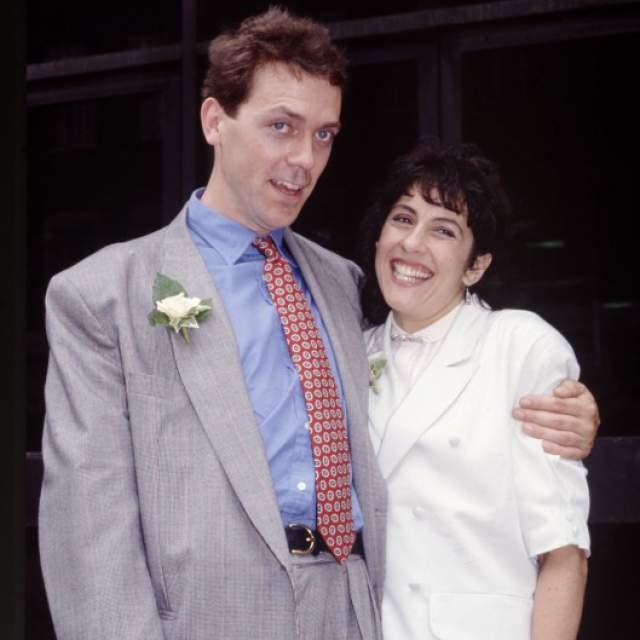 """Причем Хью дружил с Джо, администратором театра, много лет, прежде чем понял, что у них, вообще-то, отношения. А когда """"правда"""" ему открылась, пара сыграла свадьбу."""