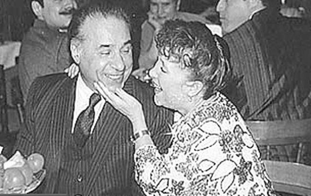 Надежда Васильевна скончалась вечером 8 апреля 2008 года на руках супруга, в возрасте 77 лет. Она похоронена на Ваганьковском армянском кладбище.