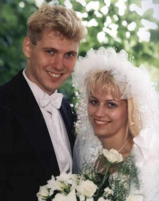 Карла Хомолка и Пол Бернардо. Молодые канадцы со стороны были идеальной семьей: обаятельная стройная блондинка и неотразимый красавец со спортивной фигурой напоминали Барби и Кена. Когда в начале 90-х годы в стране произошла серия убийств девушек-подростков, никто и не подумал подозревать Бернардо, несмотря на массу указывающих на него улик.