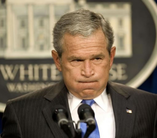 """А в одном из своих многочисленных официальных заявлений по поводу конфликта на Северном Кавказе в августе 2008 года, сделанном в сентябре того же года, Буш перепутал стороны конфликта, изменив своим ранее сказанным словам и назвав Грузию """"агрессором"""", вторгнувшимся на территорию России."""