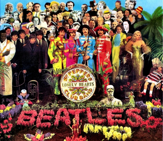 """В сентябре 1969 года несколько американских студентов заявили, что разгадали """"ключи"""" The Beatles, ведущие к смерти Пола Маккартни в 1966 году в автокатастрофе и замене его двойником. Beatles давали тайные подсказки в своих песнях, но самые знаменитые """"ключи"""" - это обложки альбомов Sgt. Pepper's Lonely Hearts Club Band, Magical Mystery Tour, Abbey Road и Let It Be."""