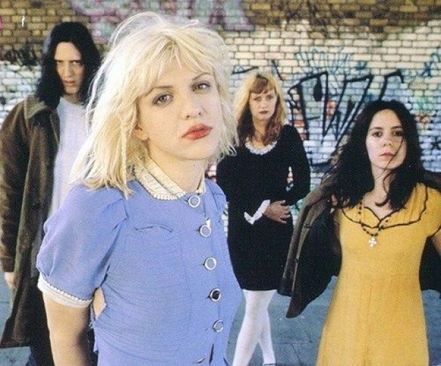 Группа несколько раз меняла состав, и в конце-концов распалась, а Кортни начала сольную карьеру.