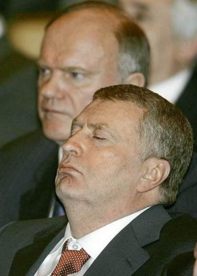 Заместитель председателя Госдумы Владимир Жириновский Жириновский (справа) на торжественном заседании, посвященном 10-летию работы парламента 2004 год.
