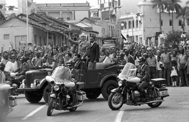 Генсек на кубинских улицах.