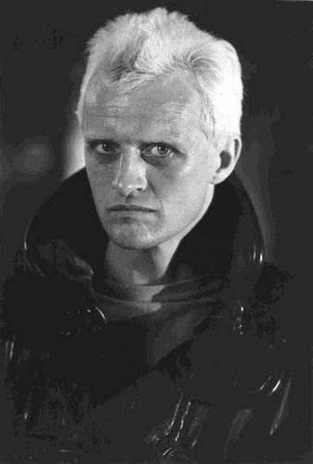 """Рутгер Хауэр. Первое появление в Голливуде состоялось в картине """"Ночные ястребы"""" (1981) с Сильвестром Сталлоне в главной роли, в котором он сыграл убийцу Вульфгара. После этого за актером закрепилось амплуа злодеев."""