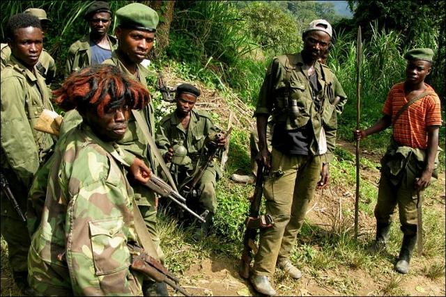 В результате к началу 1990-х годов хуту (бедняки) составляли 84% населения страны, тутси (богачи) --15%, при этом повстанцы-тутси, чьи интересы представлял Руандийский патриотический фронт, РПФ, расположились в соседней Уганде.
