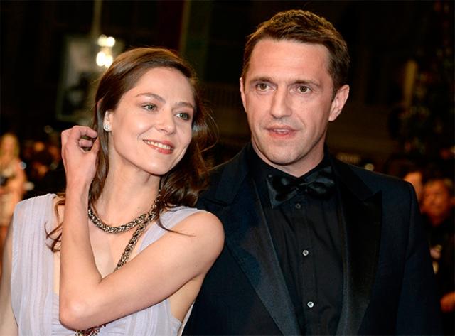 В отношениях с Ольгой Владимир говорил, что разочаровался в институте брака, но с Еленой Лядовой отношения узаконил.