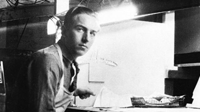 Уолт Дисней. Когда известный в будущем мультипликатор начинал свою карьеру, ему часто повторяли, что талантов у него нет, а идеи никому никогда не будут нужны, что, естественно, вызывало у него отчаяние.
