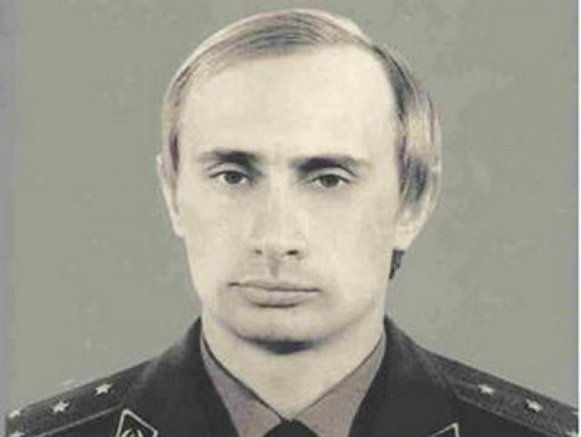 """Во время службы в КГБ Владимир Путин имел прозвище """"моль""""."""