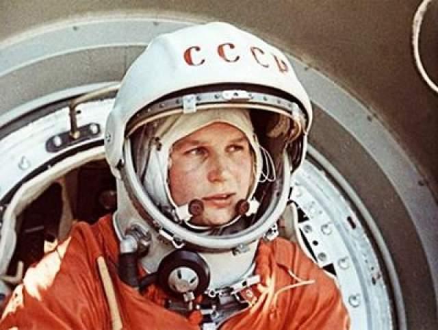 """Первая женщина-космонавт - Валентина Терешкова, отправленная в космос на ракете """"Восток-6"""", 16 июня 1963 года."""