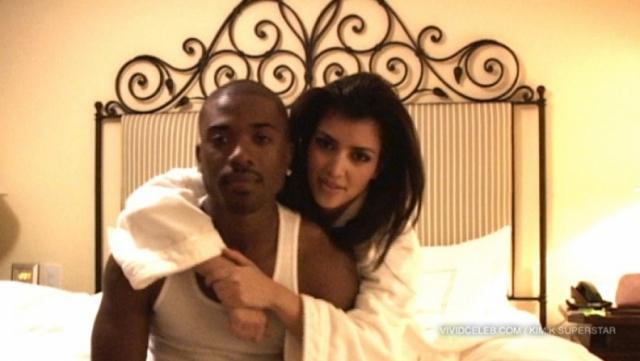 """Задолго до того, как стать звездой обнаженных селфи и """"голых"""" нарядов, Ким стала участницей секс-скандала."""