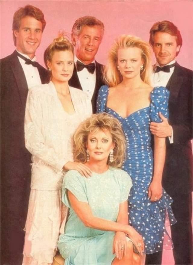 """В """"Санта-Барбаре"""" ее знали как Келли- капризную дочь главного героя сериала.Семки сериала завершились в 1993 году."""