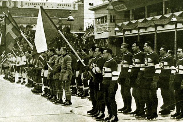 18 ноября 1948 года. Перелетающий через пролив Ла-Манш самолет упал в море. Среди пассажиров, бывших на борту, были 6 игроков сборной Чехословакии по хоккею.