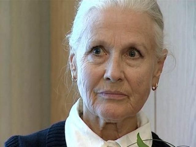 """Певица скончалась 8 марта 2013 года на 76-м году жизни, пробыв менее суток в отделении реанимации и интенсивной терапии петербургской городской больницы № 2 с диагнозом """"пневмония""""."""
