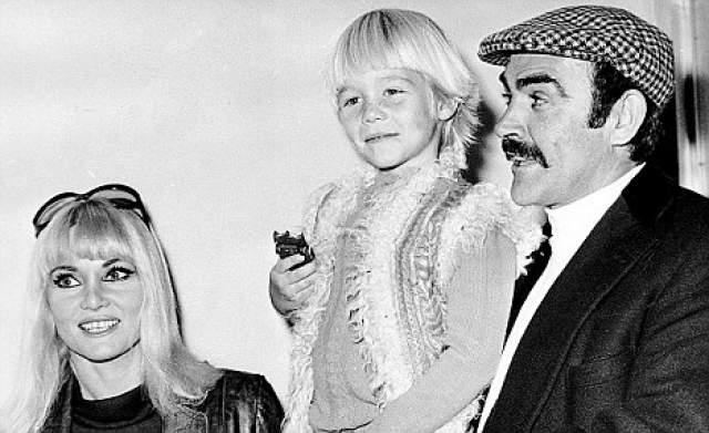 Шон Коннери с женой и сыном Джейсоном.
