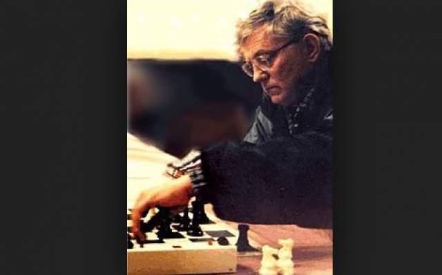 Шахматист поселился в Монреале, четырежды завоевывал титул чемпиона Канады и представлял эту страну на международных турнирах, былу частником коммерческих турниров в США.