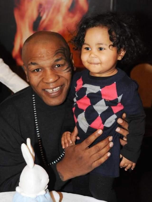 Майк Тайсон - дочь Эксодус, 4 года. Трагедия произошла в семье легендарного боксера Майка Тайсона в 2009 году.