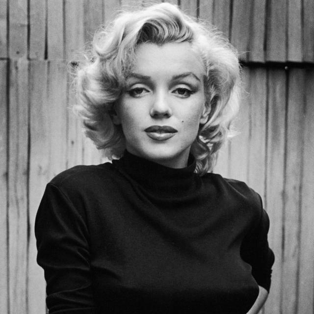 Мэрилин Монро. Самой известной смертью среди звезд, которая до сих пор волнует многих любителей истории и поклонников киноискусства, было, пожалуй, самоубийство этой голливудской актрисы.