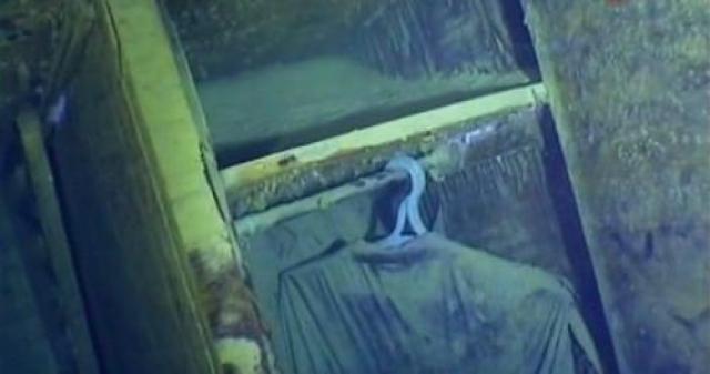 Дайверы неоднократно опускались на дно, чтобы исследовать погибший теплоход. Там, на дне моря, до сих пор сохранилась библиотека, в шкафах висят вещи пассажиров.