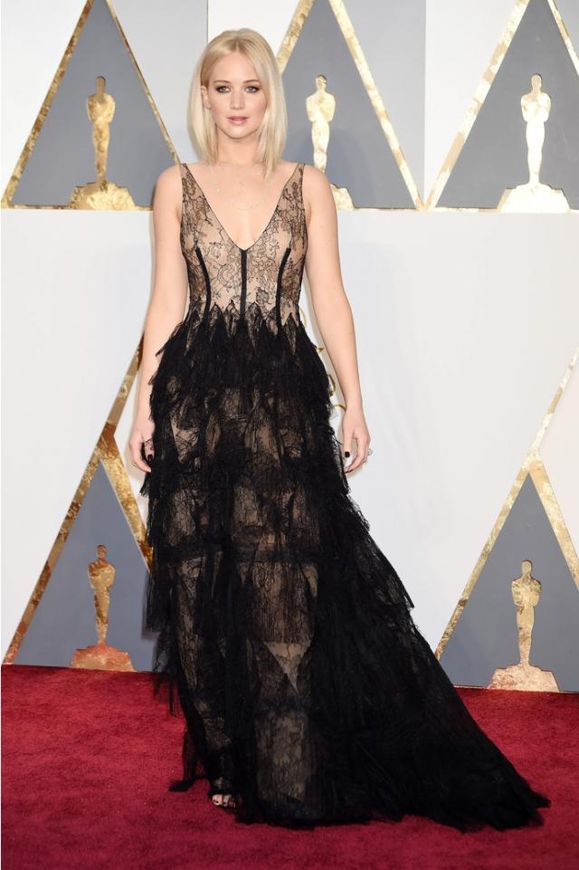 Молодая актриса выбрала платье от Dior