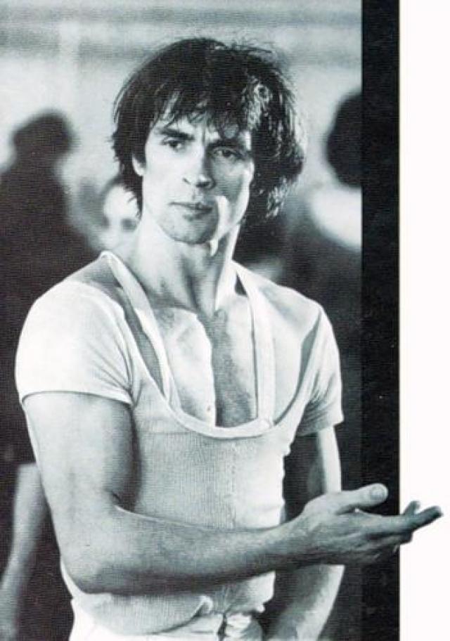 Рудольф Нуриев В 1984 году страшная болезнь была обнаружена и у великого танцора.