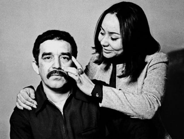 Тогда же Габриэль Гарсия пообещал юной Мерседес отучиться, вернуться, жениться и быть с нею всю жизнь. Ей пришлось прождать 13 лет, но в итоге обещание было сдержано.