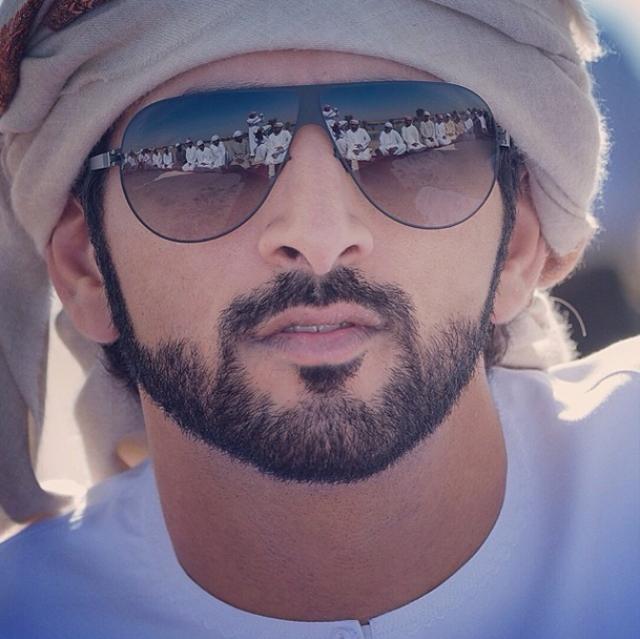 Шейх Хамдан. Наследник престола эмирата Дубай станет обладателем наследства в $18 млрд. Молодой человек не только выглядит как настоящий восточный принц, но ведет соответствующий образ жизни: путешествует, разводит верблюдов, увлекается соколиной охотой и скачками.