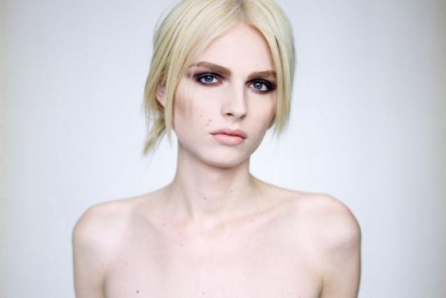 С тех пор ей удалось засветиться в модных показах дизайнеров мирового уровня — от Марка Джейкобса до Жан-Поля Готье, появилась на обложках таких знаменитых журналов, как New York, Dazed & Confused и Oyster, а также стала одной из первых открытых моделей-трансгендеров, снимавшихся для Vogue.