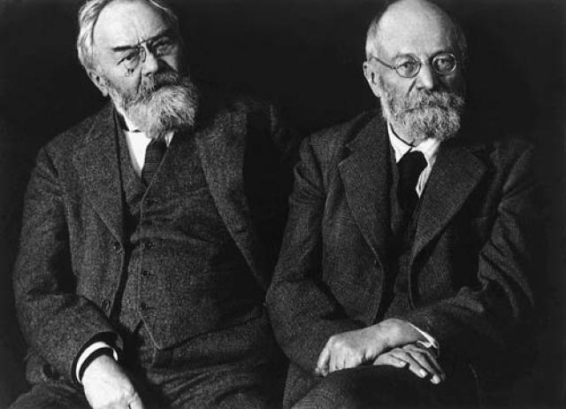 Michelin. Андре Мишлен. В 1889 году он вместе со своим братом Эдуардом создает компанию Michelin, которая в 1891 году начинает заниматься производством пневматических шин.