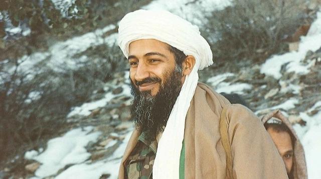 Было известно, что бен Ладен не использовал телефоны после того, как США нанесли ракетные удары по его базам в Афганистане и Судане в 1998 году, отследив спутниковый телефон.