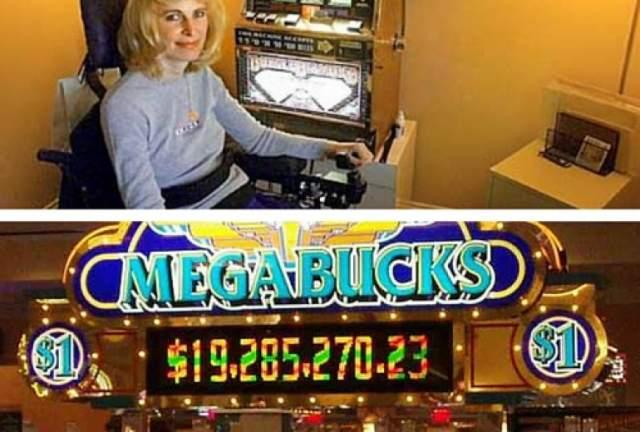 """На """"бандита"""" они выделили 27 долларов, а когда дошли до последней пятерки """"баксов"""", сунули ее бездумно. Тем более оглушающим был звук выпавшего джек-пота. Они получили 34 959 458 долларов (2 трлн 306 млн 834 тыс 795,59 рублей)!"""