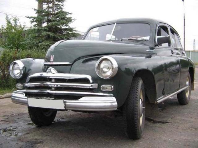 В 50-е годы народу требовались самосвалы, тягачи, грузовики повышенной проходимости, легкие грузовики, фургоны, автобусы, и, конечно, малолитражные легковые автомобили.