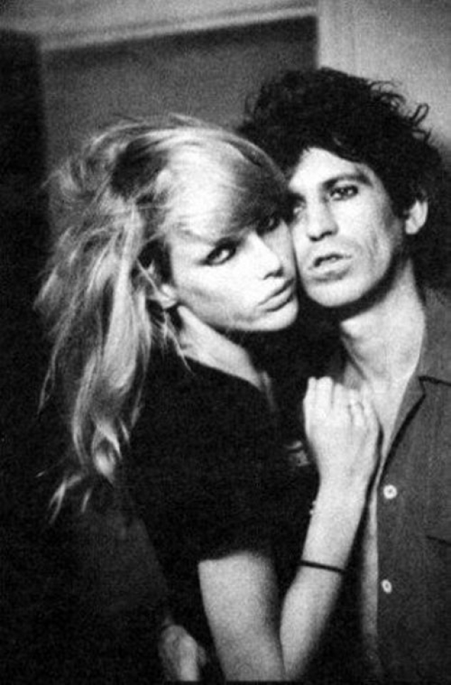 Патти Хансен. Гитарист Rolling Stones Кит Ричардс женат на модели с 1983 года. Их дочери, как и мама, стали моделями.