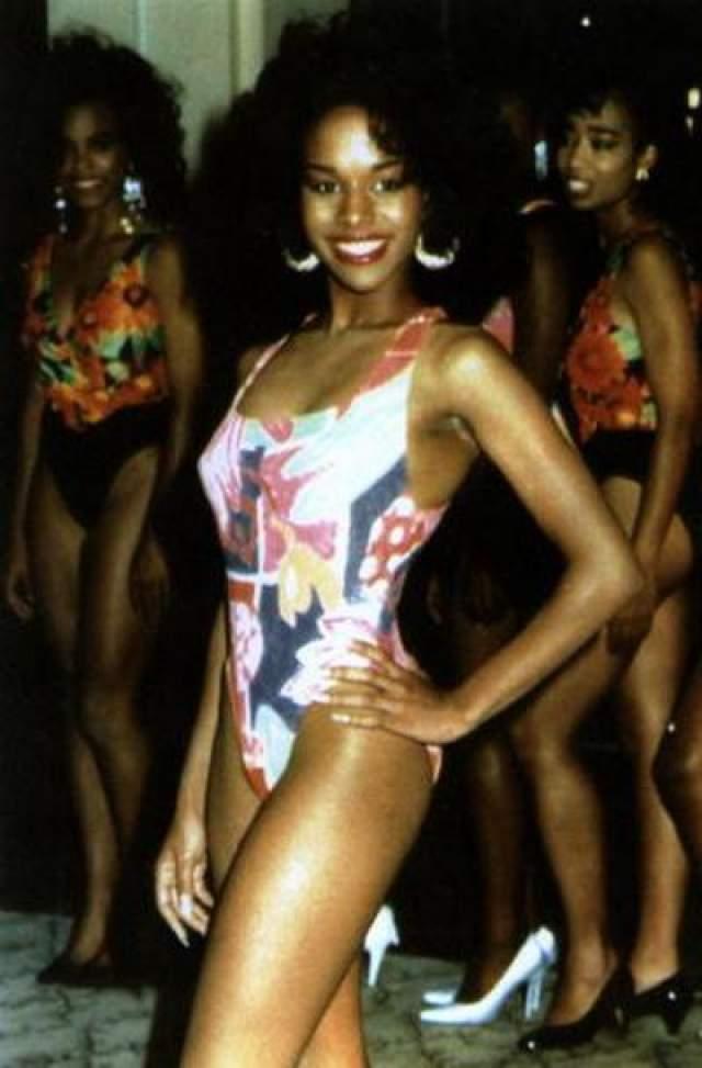 """В мае 1992 году уже в ранге абсолютного чемпиона мира он был осужден на шесть лет за изнасилование Дезире Вашингтон, получившей титул """"Мисс чайная Америка"""". На фото: Дезире Вашингтон"""