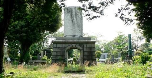 """По сей день не найдено ни одного фрагмента """"Унэби"""", поэтому корабль считается пропавшим без вести, а на кладбище Аояма в Токио воздвигнут памятник морякам."""