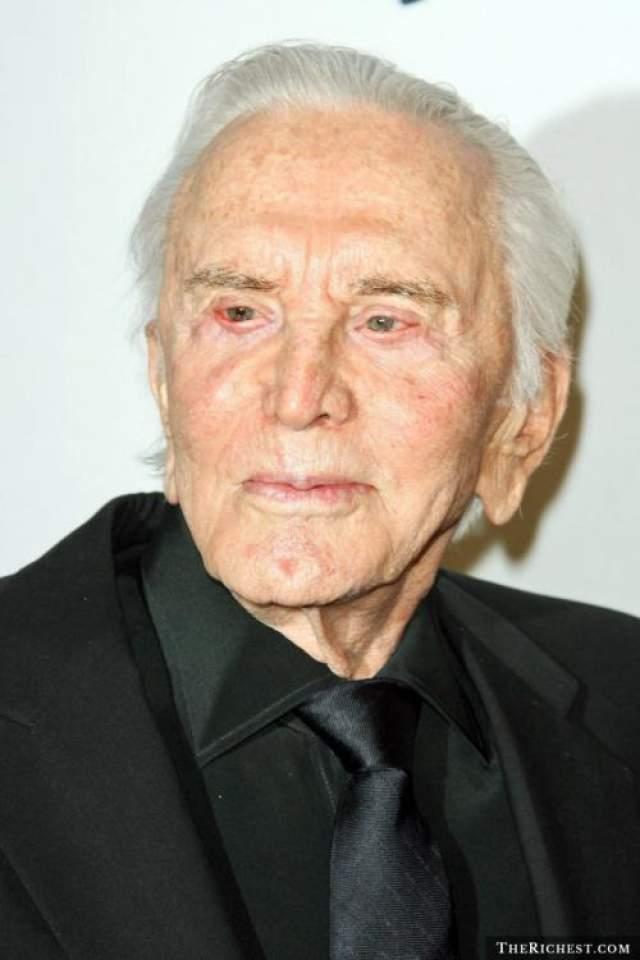 Крик Дуглас, 102 года В этом году актер, режиссер и продюсер Крик Дуглас отпразднует свой 100-ый день рождения.