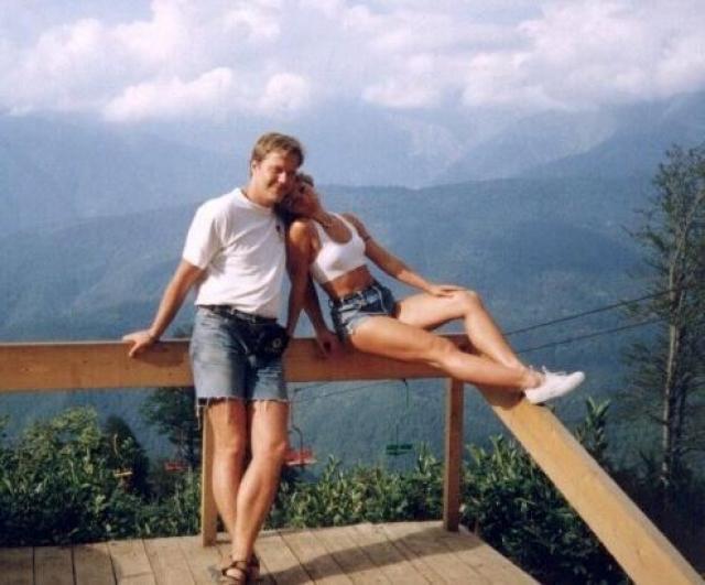 """Кстати, будущий муж влюбился в Наталью, увидев ее в роли """"Гостьи"""". Наталья познакомилась с ним осенью 1987 года, находясь в Минске."""